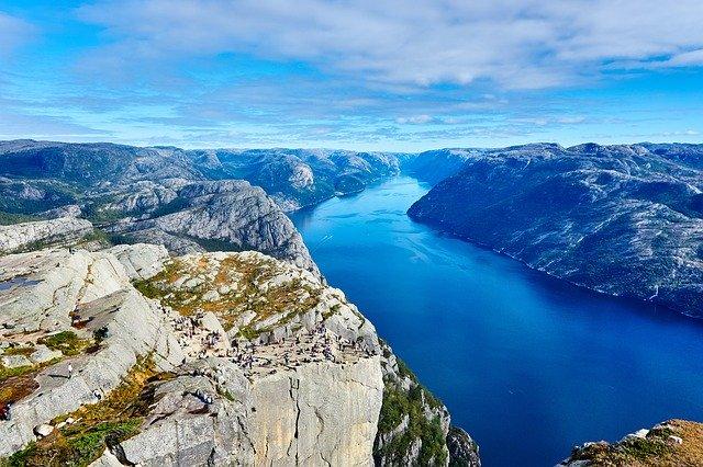 die norwegischen Fjorde erkunden
