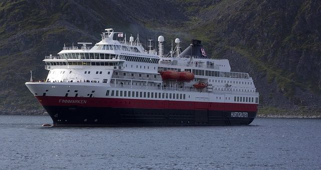 Hurtigruten sagt Expeditionen in die Antarktis ab